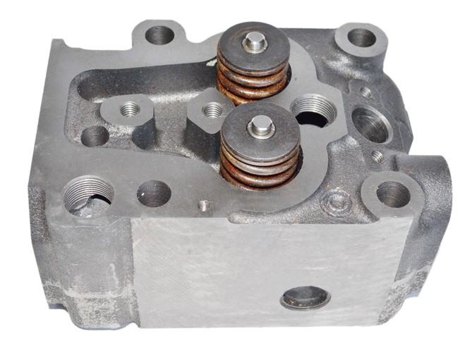 Головка блока цилиндров 12273865 двигателя TD226B-6, WP6G125E22 Deutz (Дойц)