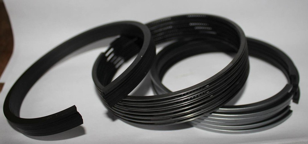 Кольца поршневые 13022348, 13022349, 13022350 двигателя TD226, TBD226 Deutz (Дойц)