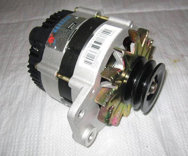 Генератор 612600090206D, JFZ2517A двигателя WD10 Weichai (Вейчай)