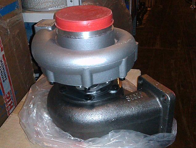 Турбокомпрессор 61561110227A двигателя WD10 Weichai (Вейчай)