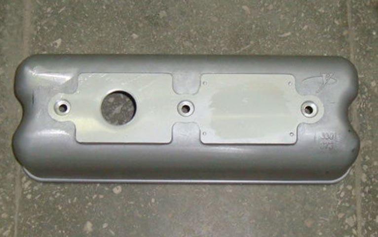 Крышка клапанная (под сапун) 630-1003207 двигателя YC6108/YC6B125 Yuchai (Ючай)