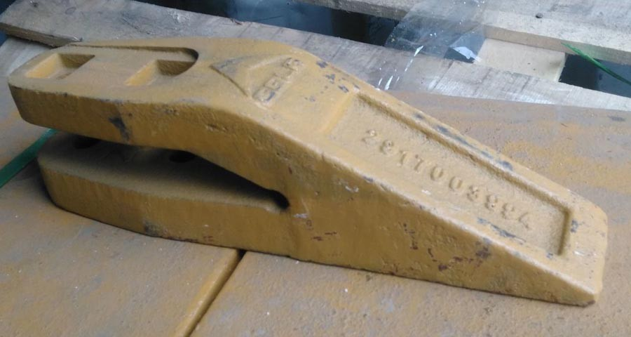 Зуб ковша центральный 29170039941 погрузчика SDLG LG952, LG953, LG956