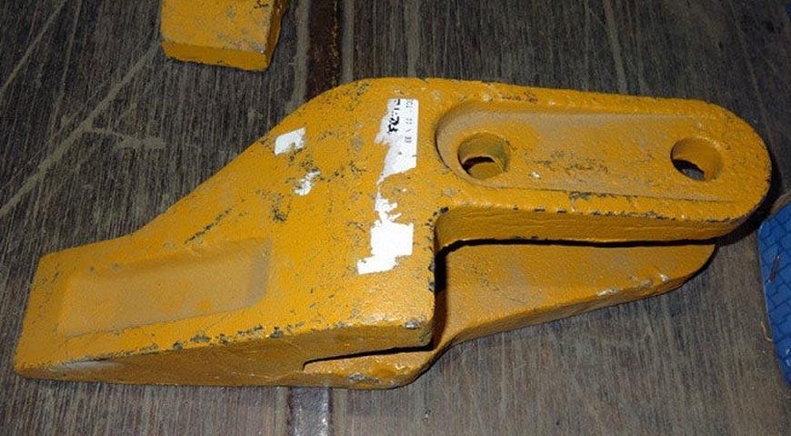 Зуб боковой левый 250900264 погрузчика XCMG LW300G, ZL30G