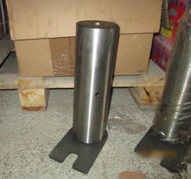 Палец стрела-рама (60х205) 9301332 погрузчика XCMG ZL30G
